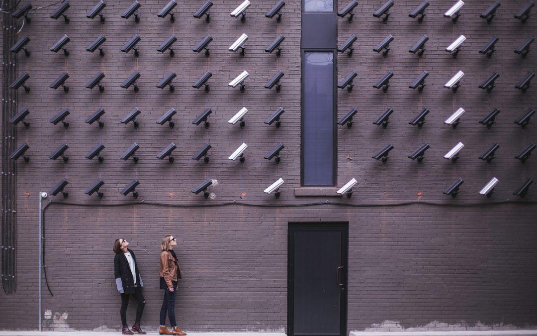 Videoüberwachung am Arbeitsplatz: BAG erklärt (längere) Speicherung und Beweisverwertung für zulässig