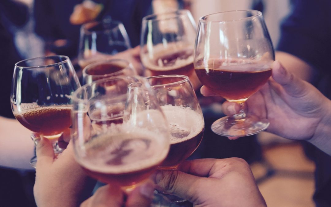 """""""Lasst uns froh und munter sein"""" – Weihnachtsfeiern und Alkohol"""